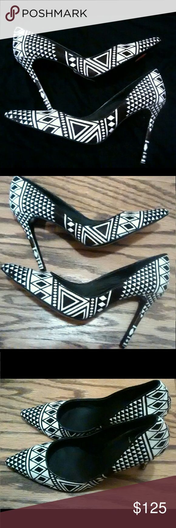 Kurt Geiger Black White Geometric Aztec Pumps 40 9 Worn but in excellent condition. No box or dustbag. Jazz up any all white or all black outfit. Kurt Geiger  Shoes Heels