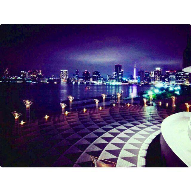 Instagram【kaguyan_3jsb】さんの写真をピンしています。 《夜景 目の前にあったはずの レインボーブリッジ いつのまにか消えてた  #東京#夜景#綺麗#美しい#love#写真#消えた#レインボーブリッジ#劇団四季#アラジン#みたあと#真似して#階段で#踊ったら#靴が#吹っ飛んだ#まいこ#そういち#姉妹#彼氏#遠距離恋愛#晴海ふ頭客船#ゴキブリ#二匹》