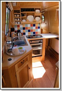 Useful pull up area next to cooker