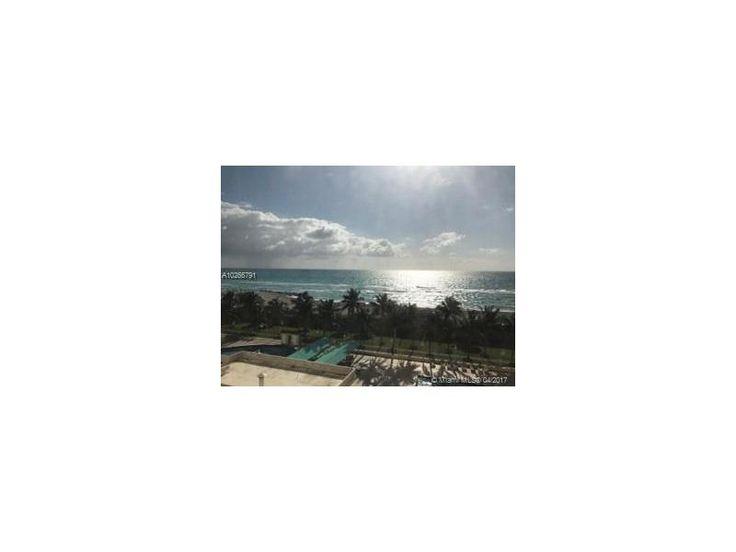 2899 Collins Ave #743, Miami Beach, FL 33140 (MLS #A10266791) :: Albert Garcia Team