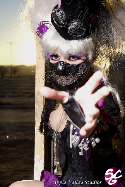 Jennifer Kairis as Steampunk Cheshire Cat by SCG Official, via Flickr
