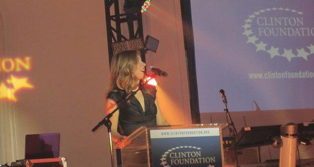 Die Clinton Foundation erhält jährlich mehrere Millionen Dollar an Spenden. Doch mit Wohltätigkeit hat die Familienstiftung nicht viel am Hut.