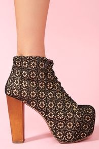 Lita Platform Boot - Black Crochet