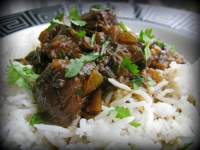 Chivo's Guisado (Dominican Goat Curry)  Ingredients for marinade:  2 lbs goat meat with bones  Juice of 1 orange  Juice of 1/2 a lime  2 tbsp worcestershire sauce  2 bay leaves  2 tbsp garlic paste  1 large white onion  1 bunch cilantro  1 bunch green onions  1 tsp salt  3 tbsp fresh oregano or 1 tbsp dried oregano