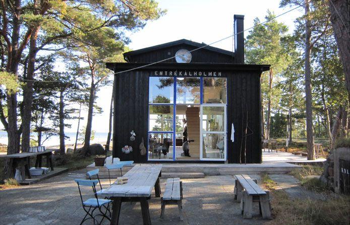 Swedish Summer Cabin / Carouschka Streijiffert