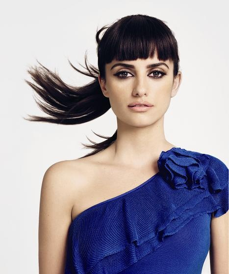 penelope CruzPenelopecruz, Eye Makeup, Modern Fashion, Beautiful, Smoky Eye, Turquoise Blue Cross, Bangs, Penelope Cruz, Penelope Cruz