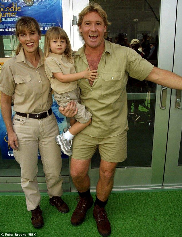 ♡♥Steve and Terri Irwin with their daughter Bindi Sue Irwin - click on pic to see a larger pic and 3 pics of Bindi at the age of 15♥♡