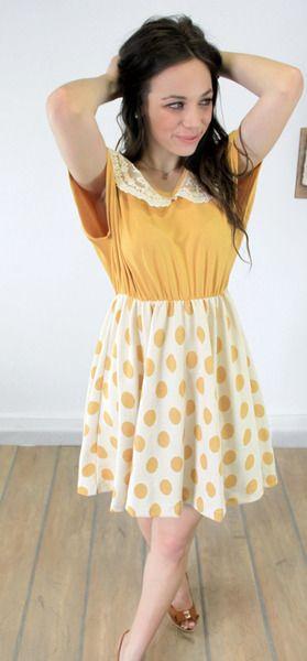 Das romantisch Kleid Goldy wird dein Herz im Sturme erobern mit dem lässigen Schnitt und den warmen Gelbtönen. Der gepunktete Rockteil schwingt lo...