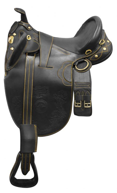 """Softie leather handmade Australian saddle! This Australian saddle features super soft softie leather and comes equipped with brass D rings, riggings and girth. Tree: Wood tree - Gullet: 6"""" - Seat: 18"""""""
