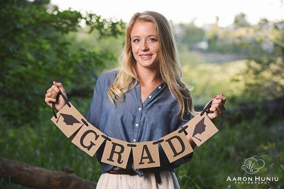 Graduation Photo Banner   12 Best Graduation Party Ideas| Catchmyparty.com