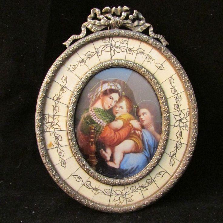 """""""Madonna della Sedia"""" miniature on fine cream wafer, signed. Late 19th C"""