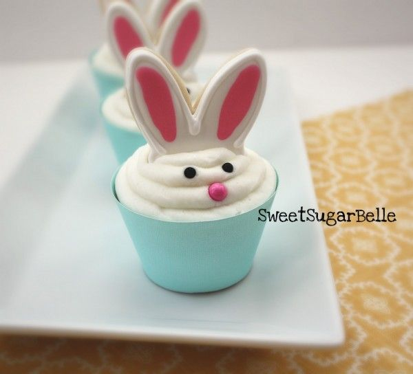 bunny cupcakes but do the ears in white chocolate instead