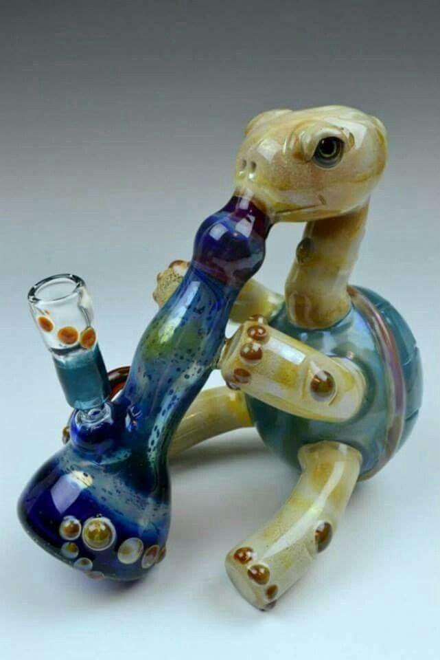 Turtle smoking bong