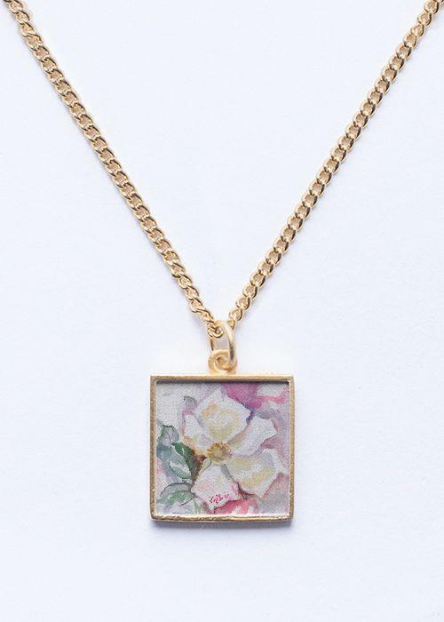 White Rose Garden . Rose Flower Pendant. Floral Gold Jewelry.  #floral #jewelry #pendant #rose #flower #fashion #woman #spring #trend2017 #trend2018