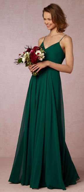 Emerald green is such a stunning and unexpected colour for bridesmaids' gowns.