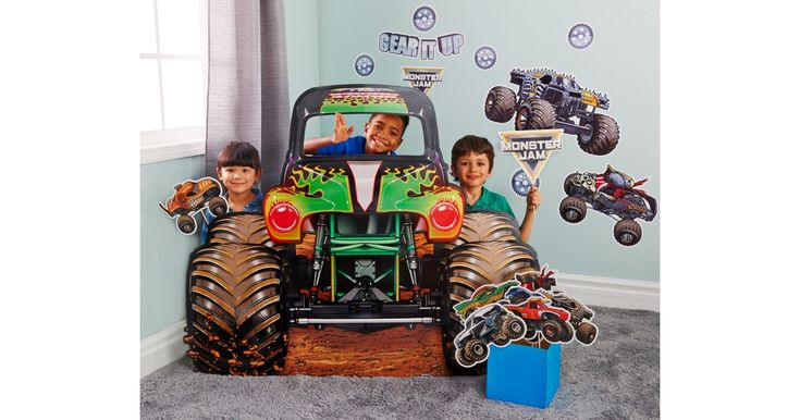 I found this great Birthday Party idea on BirthdayExpress.com. Monster Jam Stand-up, Birthday Express helps create memories that last a lifetime - click here to start the fun!