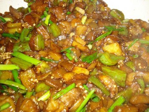 Поднебесная кулинария. Баклажаны со сладким зеленым перцем и картофелем