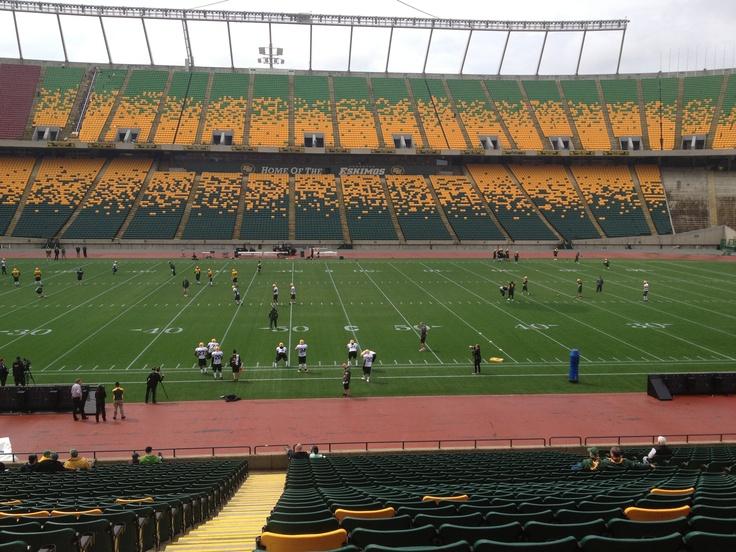 Commonwealth Stadium. Edmonton Eskimos