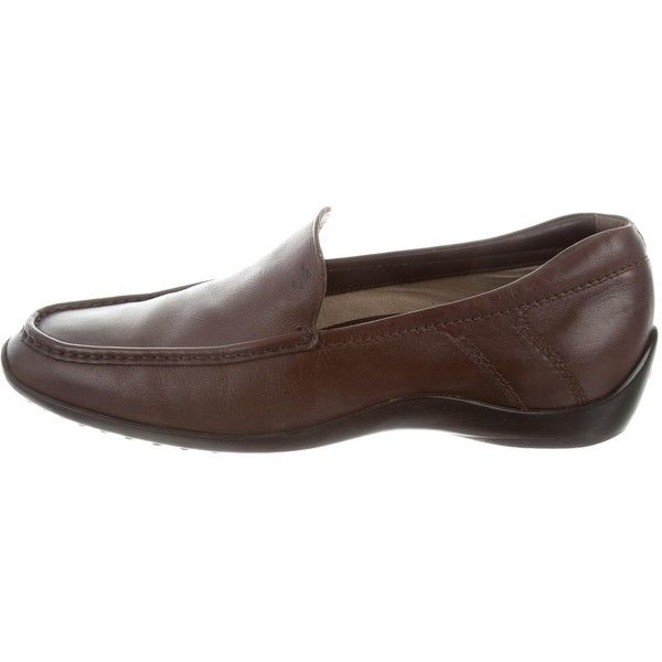 Pre-owned Tod's Leather Driving Loafers (353.540 COP) ❤ liked on Polyvore featuring men's fashion, men's shoes, men's loafers, brown, mens brown shoes, mens brown leather shoes, mens leather shoes, mens round toe dress shoes and mens rubber sole shoes