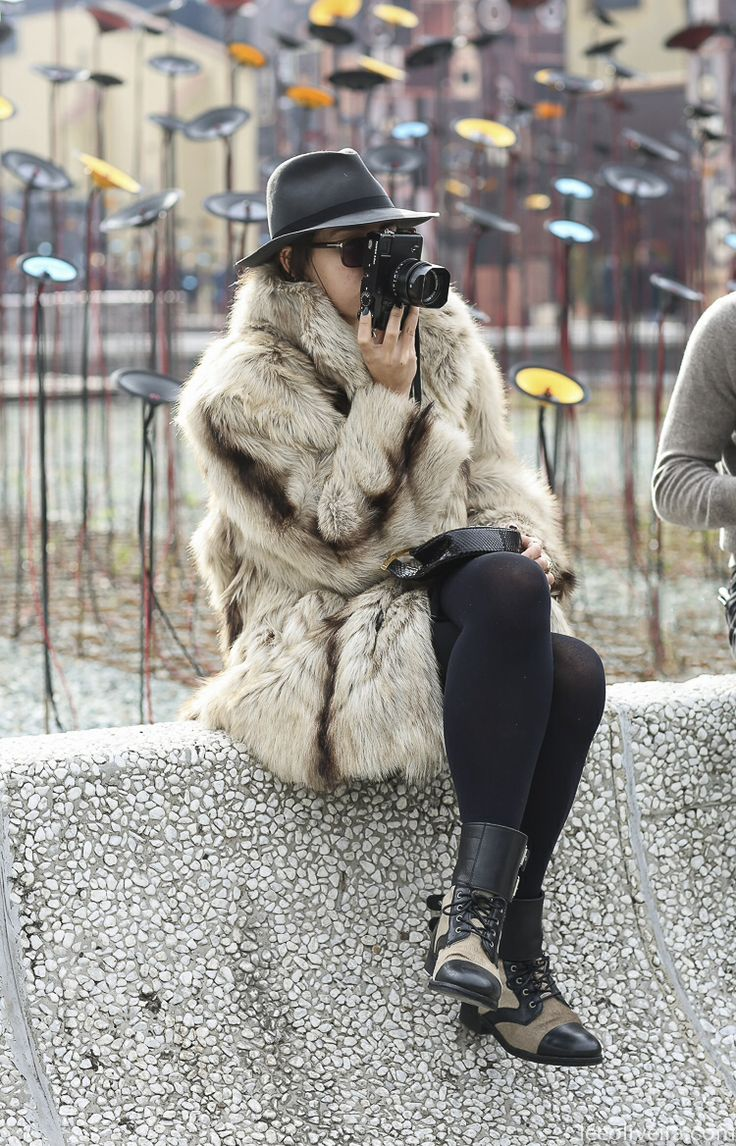 love that coat - need a larger bag to go with it www.largepurseshop.com #largepurse