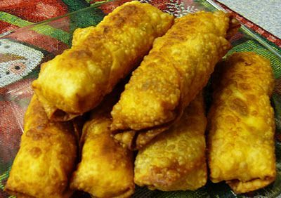 Delicious Breakfast Egg Rolls..fill w/egg, sausage, bacon, and cheese...the secret to creamy scrambled eggs is not to over cook them. Baked or fried yumm