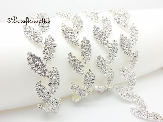 Hey, I found this really awesome Etsy listing at https://www.etsy.com/listing/238447235/peal-rhinestone-trim-rhinestone-chain