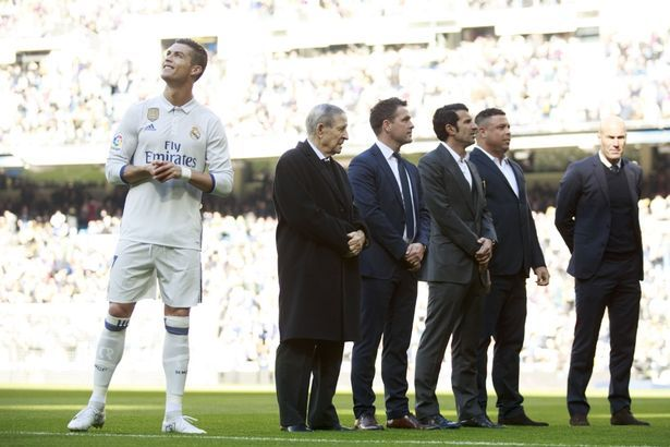 Cristiano Ronaldo watches Kaka and Fabio Cannavaro's special video messages