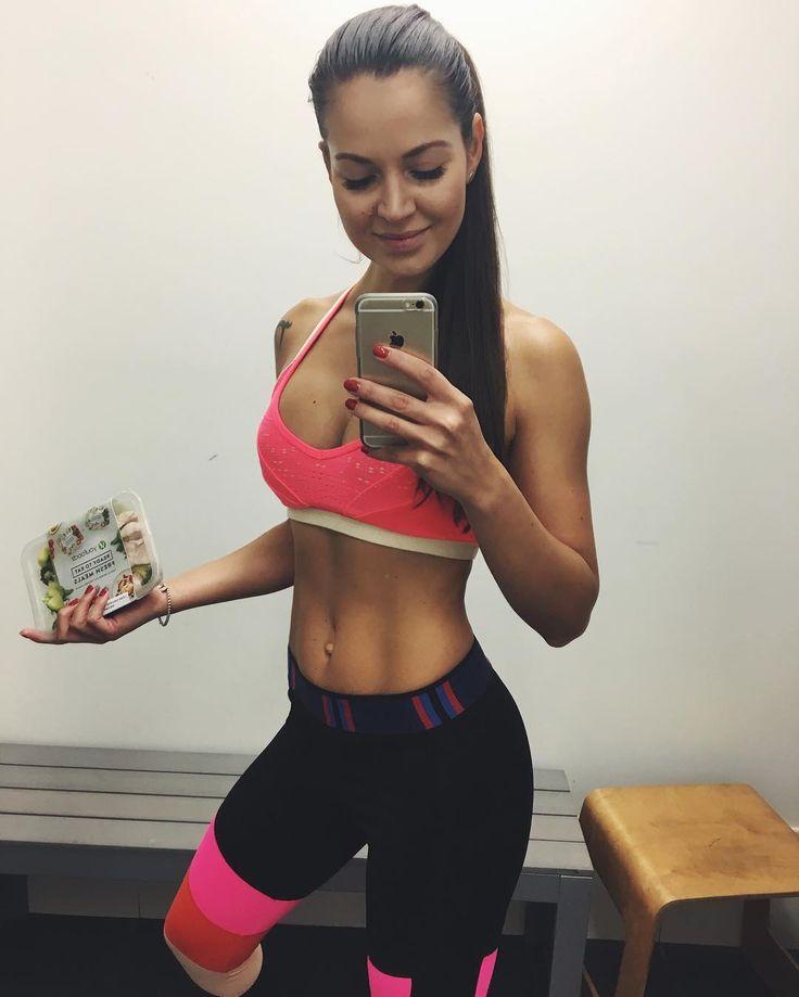 📍 Australia   Personal Trainer and Fashion Addict ✊🏼 dashagaivoronski@gmail.com 🦄 team @womensbest 💕 Custom Training programs👇🏽