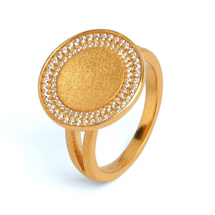 Cavo Ring in goldplattiert aus der BERND WOLF Manufaktur #BerndWolf #Schmuck #Ring #Concave #GermanDesign #Jewelry #Eyecatcher
