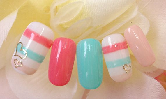 i think the next time my nails get longer i will do this design and colors