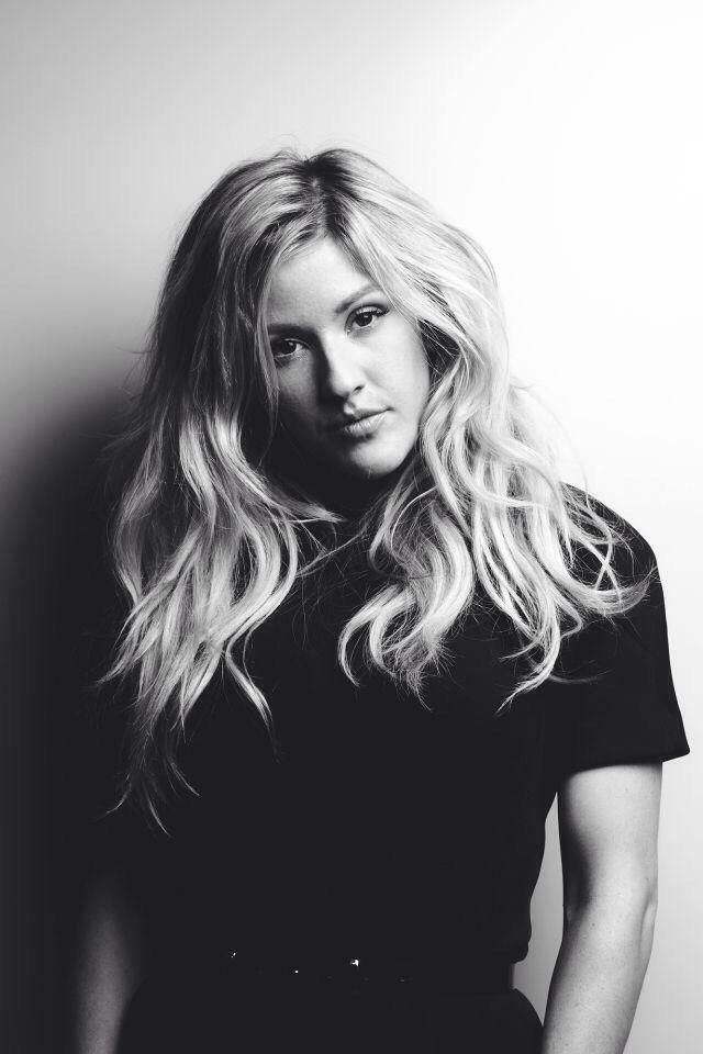 Love her hair style