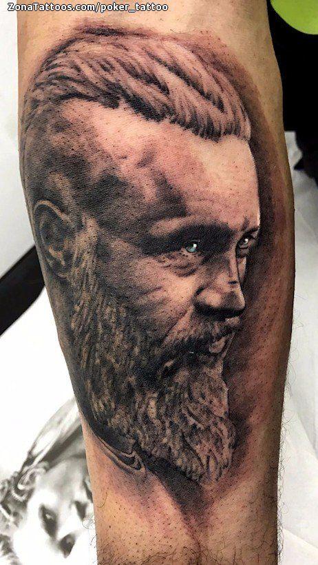 Tatuaje hecho por Ismael Hidalgo, de Barcelona (España). Si quieres ponerte en contacto con él para un tatuaje o ver más trabajos suyos visita su perfil: https://www.zonatattoos.com/poker_tattoo    Si quieres ver más tatuajes de vikingos visita este otro enlace: https://www.zonatattoos.com/tatuaje.php?tatuaje=108323
