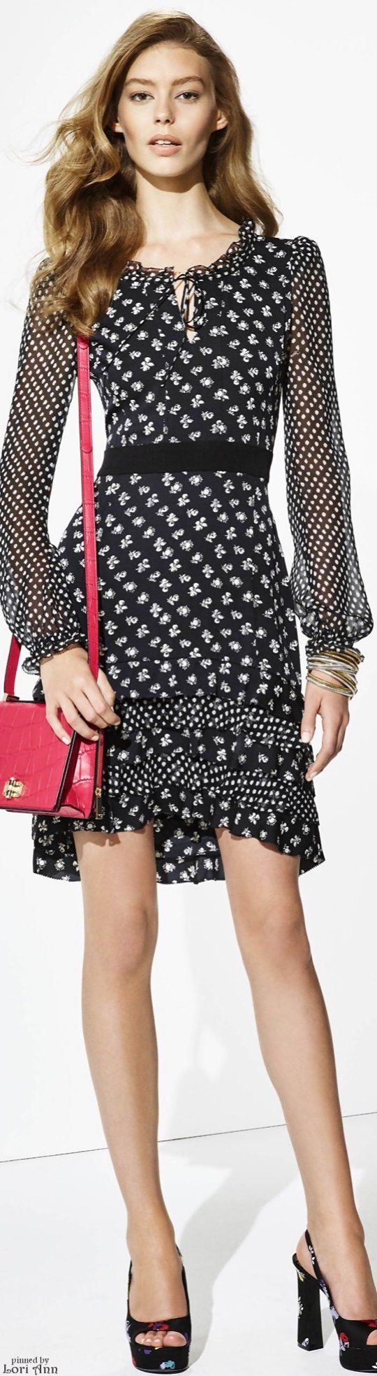 Diane von Furstenberg Resort | Resort Style and chic fashion | sexy girl in print black dress | #Thejewelryhut