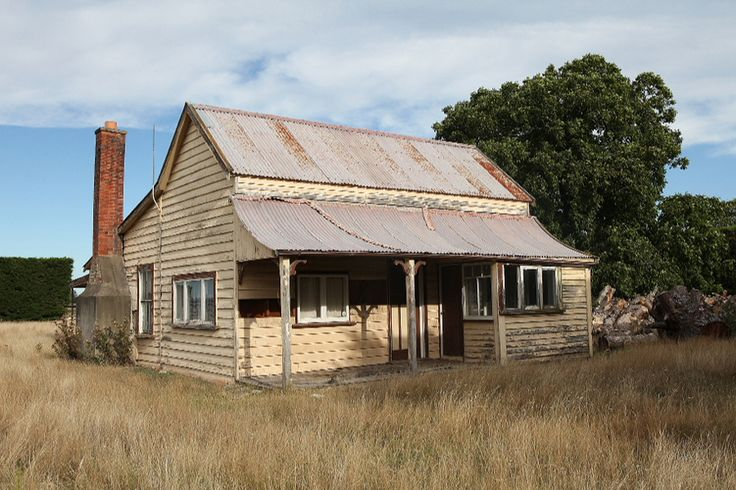 Abandoned house, Canterbury, New Zealand - copyright www.belindabrownphotography.co.nz