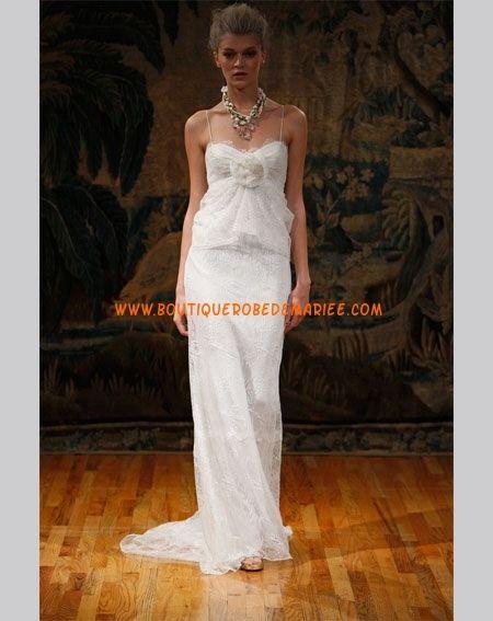 Robe de mariée romantique en dentelle avec deux bretelles fines