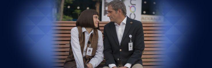 Roberto visita un orfanato vestido de Payasito para llevar alegría a unos niños junto con Alicia en Antes Muerta que Lichita.