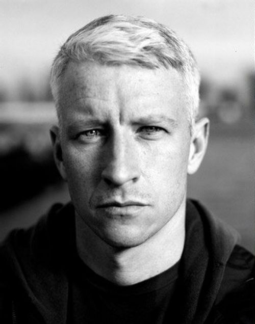 Anderson Cooper you silver fox you! If only you were mine. HA!