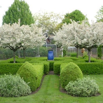 11 best english gardens images on pinterest beautiful for Formal english garden designs