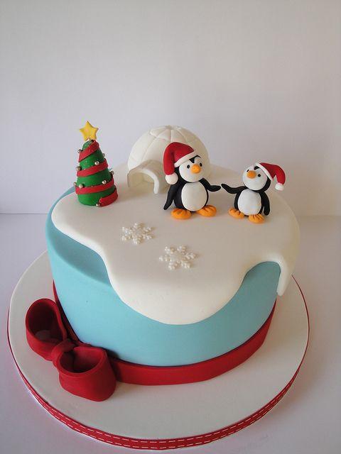 pingouins en pâte à sucre sur la banquise avec leur igloo. j'adore