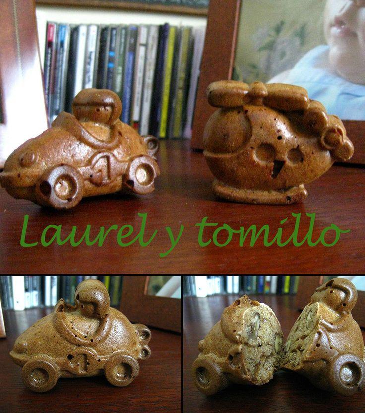 Pan de platano y nueces http://laurelytomillo.blogspot.com.es/2010/03/pan-de-platano-y-nueces.html
