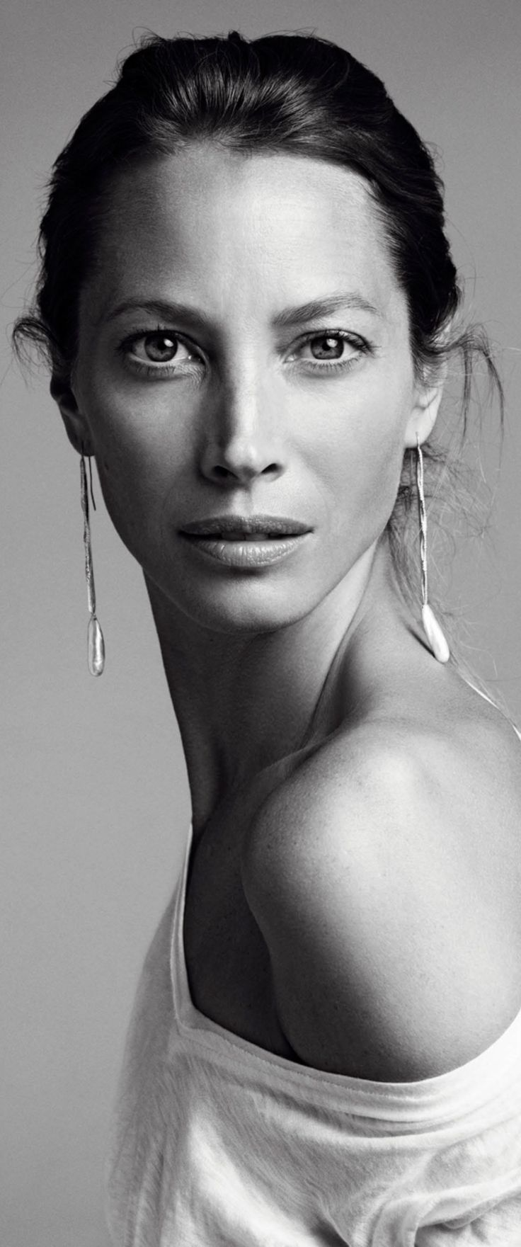 HAUTE♔FEMALE : Christy Turlington