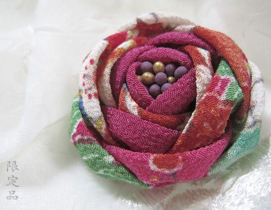 katumi made *つまみ細工の簪(かんざし)髪飾り、つまみ細工のshop*つまみ細工リネンのブローチ