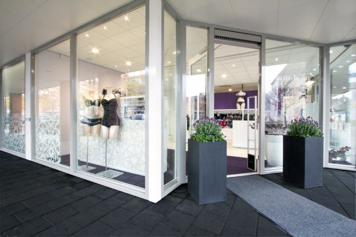 LINGERIE STORES! Secrets by Day store by COEN!, Valkenswaard   the Netherlands store design