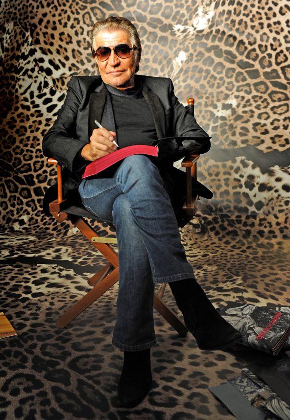 Roberto Cavalli 75 - A szexi csillogás és az állatminták királya. Roberto Cavalli számára jelentős év 2015: most ünnepli 75. születésnapját, 35. házassági évfordulóját, és idén 45 éve indította útjára saját márkáját.