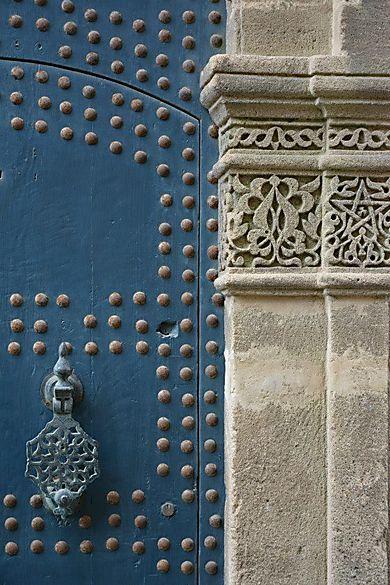 Maroc - Dans la médina de Tanger                              …