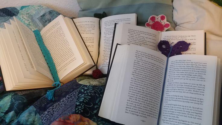 Hæklede bogmærker som tak for lån af bøger, sommeren 2016