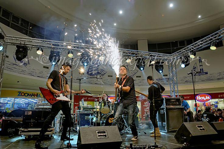 Concert the music band Vunk
