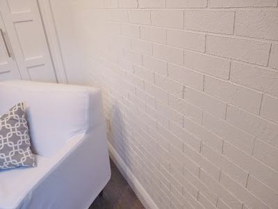 DIY Faux Brick Wall Using Paint And It Looks Awesome - http://www.diyscoop.com/diy-faux-brick-wall-using-paint-and-it-looks-awesome/