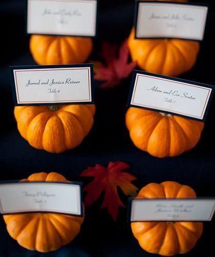 秋ウエディングなら、手作りカボチャでハロウィーンチックな結婚式♡ 席札アイディア