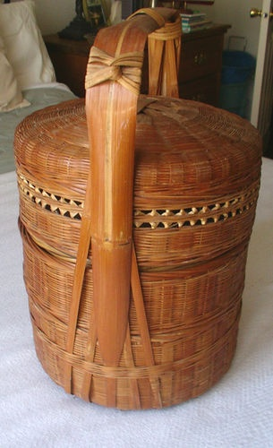 ANTIQUE 19C CHINESE BAMBOO WEDDING BASKET PICNIC BASKET